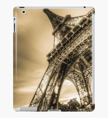 Eiffel Tower 8 iPad Case/Skin