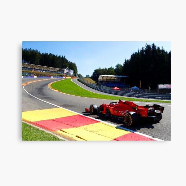 Charles Leclerc dans l'Eau Rouge lors du Grand Prix de Belgique 2019. Impression sur toile