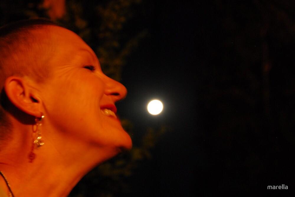 * 2 smelling da moon... by marella
