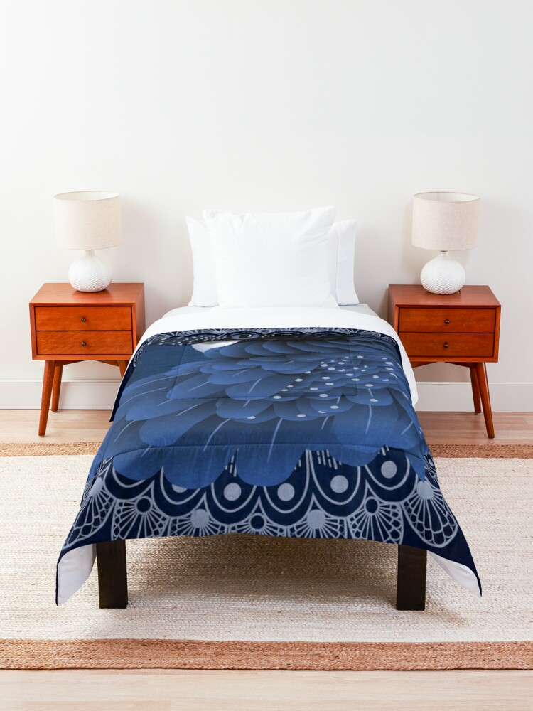 Alternate view of Decorative Australian Cockatoo in Blue Comforter