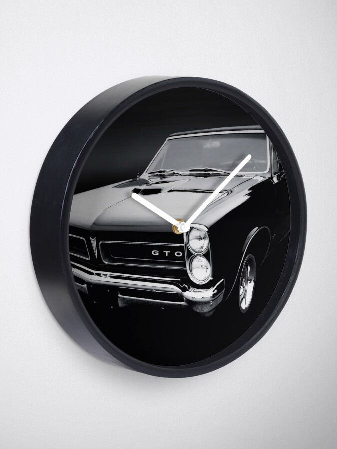 Alternate view of 1965 Pontiac GTO B/W Clock