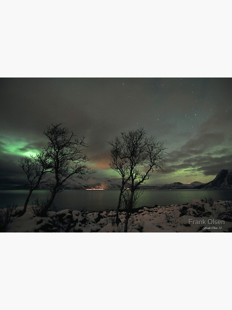 Aurora Borealis and clouds by roamer