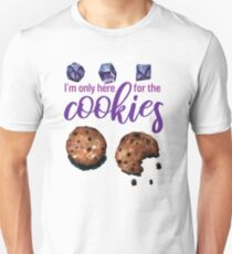 I'm only here for the cookies and dice - purple Slim Fit T-Shirt