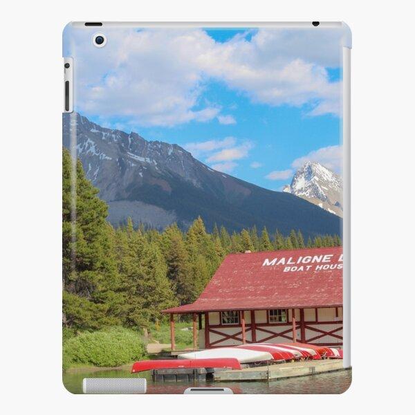 Maligne Lake in Banff Alberta Canada iPad Snap Case
