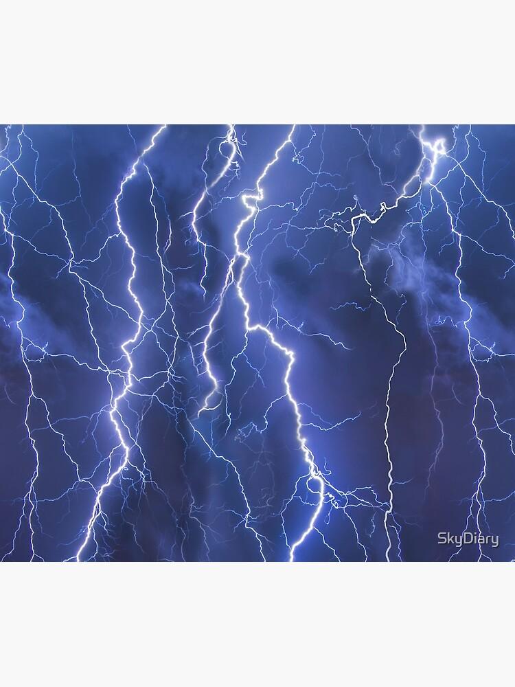 Dazzling blue lightning by SkyDiary