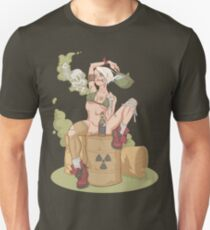 Tank Girl smells like toxic waste T-Shirt