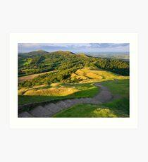 Malvern Hills : curving down Art Print