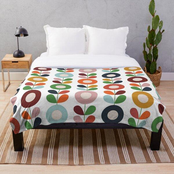 1960s floral pattern Throw Blanket