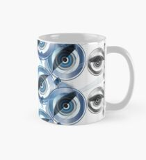 The wise Owl sees the Fox and the Bait Classic Mug