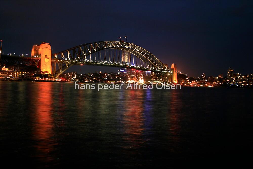Sydney Harbour Bridge by hans p olsen