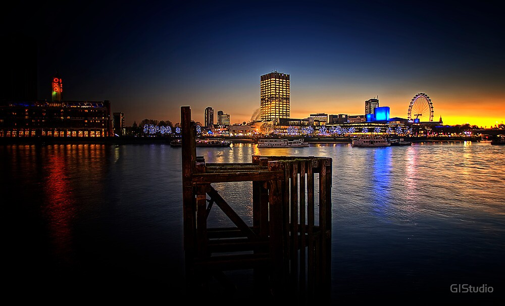 Sittin on the Dock of the Bay by GIStudio