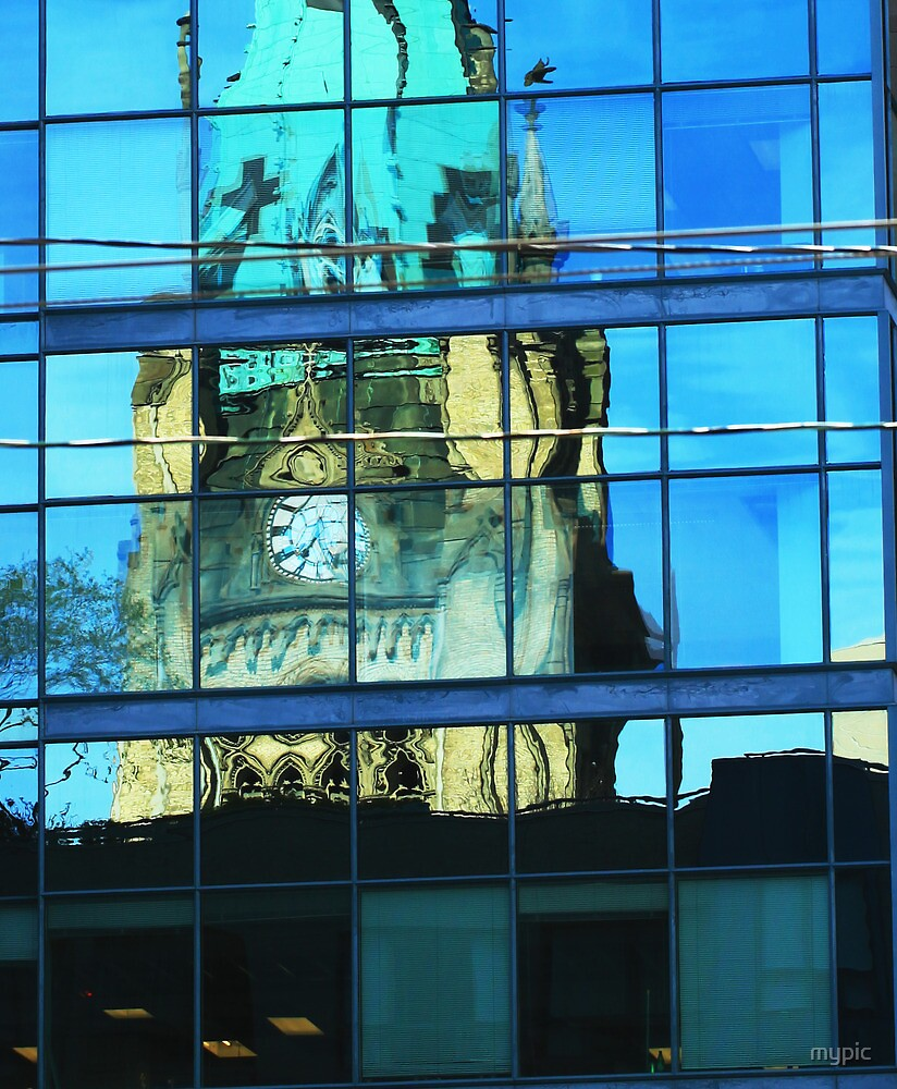 25 past 7: reflected clock, Toronto by mypic