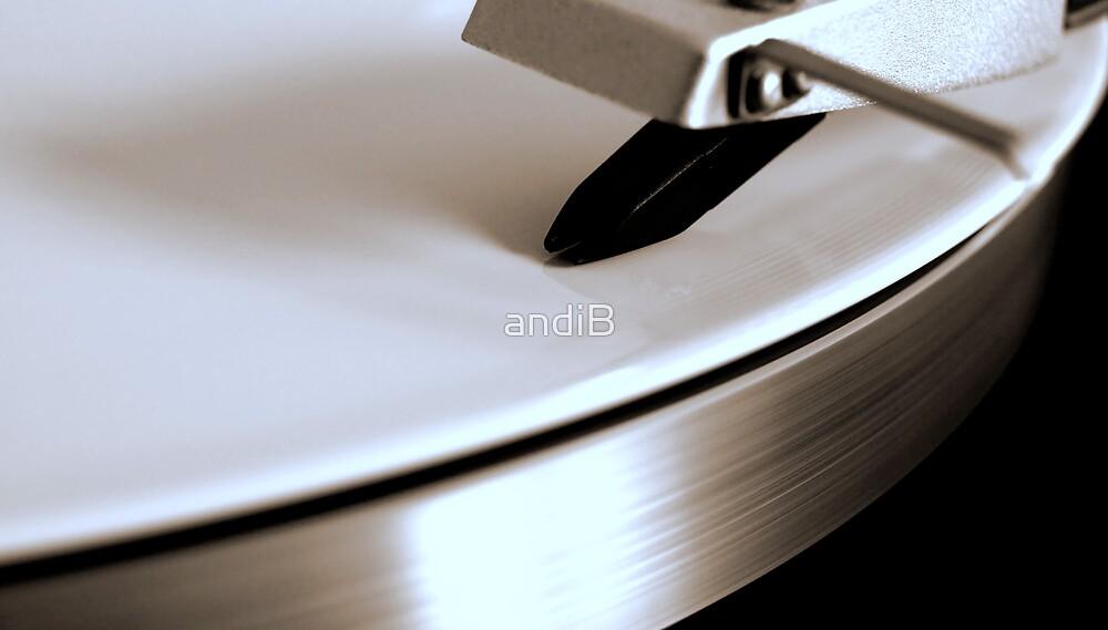 Turntable with white vinyl by Andreas  Berheide