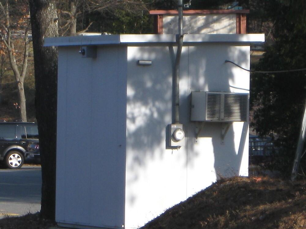 Power Box at Sharon Station Inbound by Eric Sanford