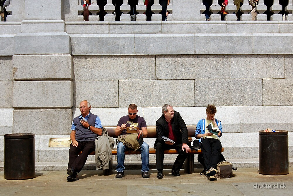 Lunch Hour - Trafalgar Square by shutterclick