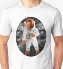 ALF RETURNS FROM PLANET MELMAC TEE SHIRT Unisex T-Shirt