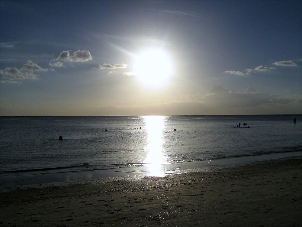 dark on the beach by ceciperu