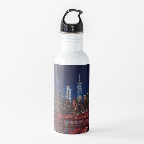 Freedom Tower y Manhattan Nighttime Skyline Bridge View Botella de agua