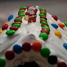 Christmas Gingerbread House by Alihogg