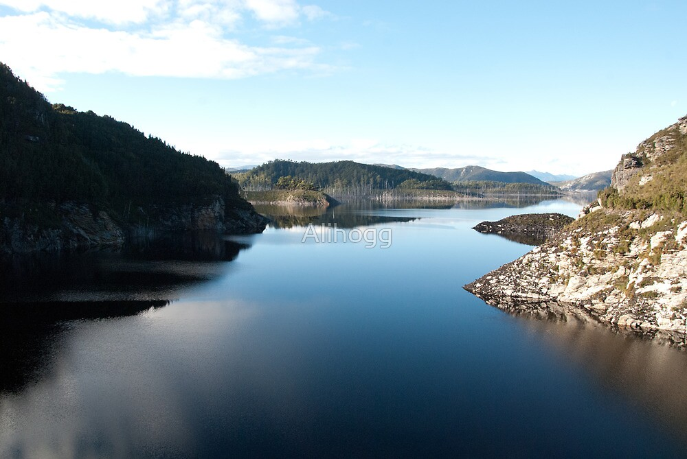 Tasmanian waters by Alihogg