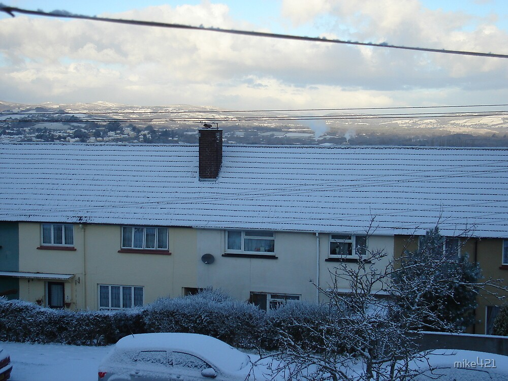Snow Fall this Morning 17/12/2010 by mike421