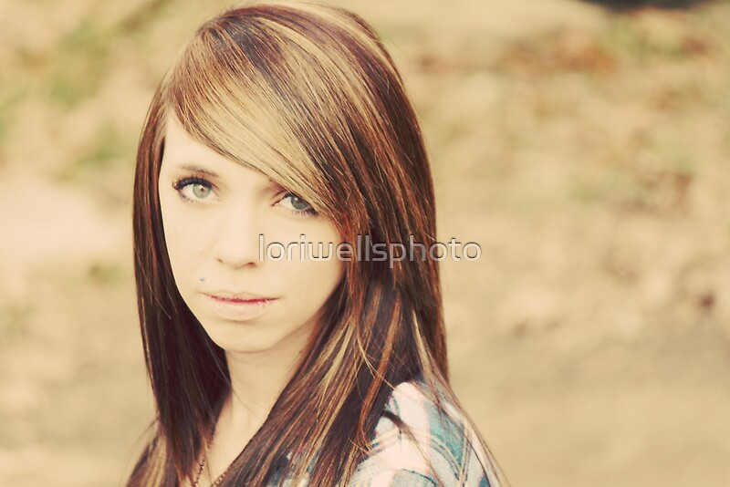 Lori Wells Photography-Model Tiffany in 70\'s Color \