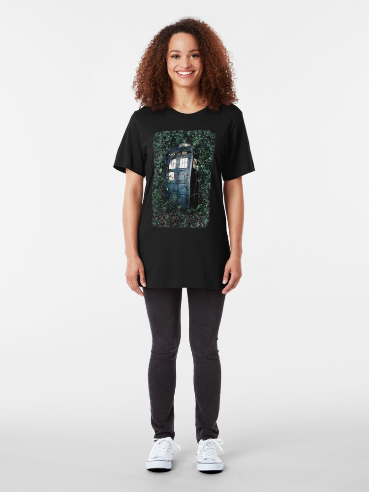 Alternate view of Police Box in The Garden Hoodie / T-shirt Slim Fit T-Shirt