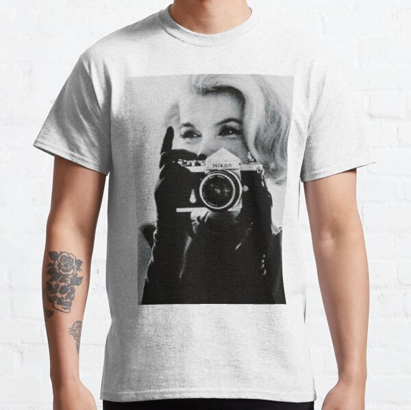 Marilyn Monroe with her Camera Classic T-Shirt