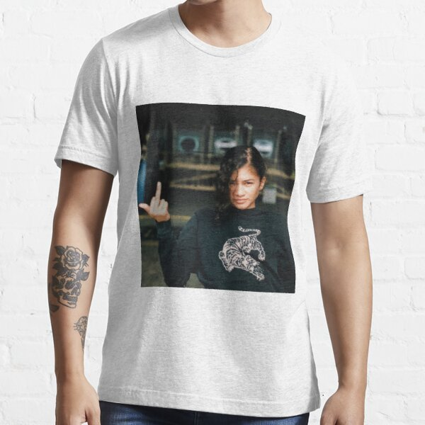 drake loves rue Essential T-Shirt
