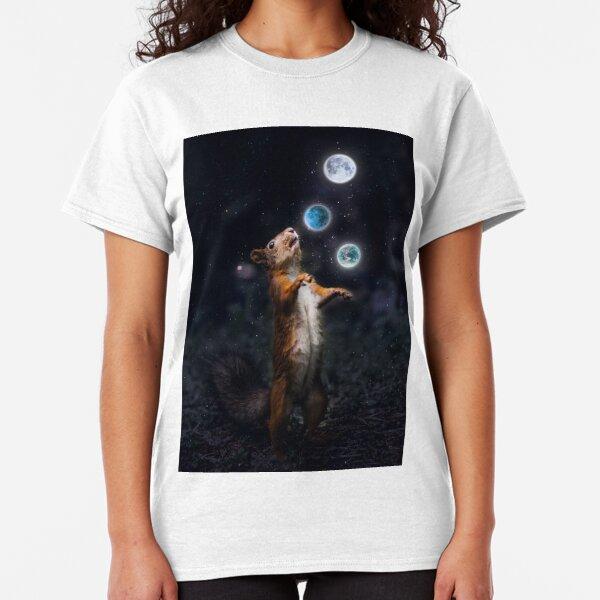 Juggling squirrel Classic T-Shirt
