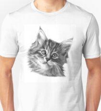 Maine Coon kitten G114 Unisex T-Shirt