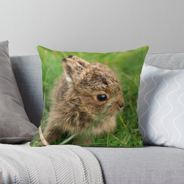 Leveret In The Grass Throw Pillow