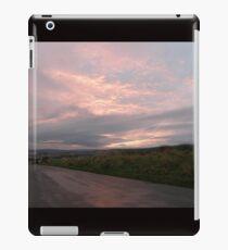Pink sky -  Derry Ireland iPad Case/Skin