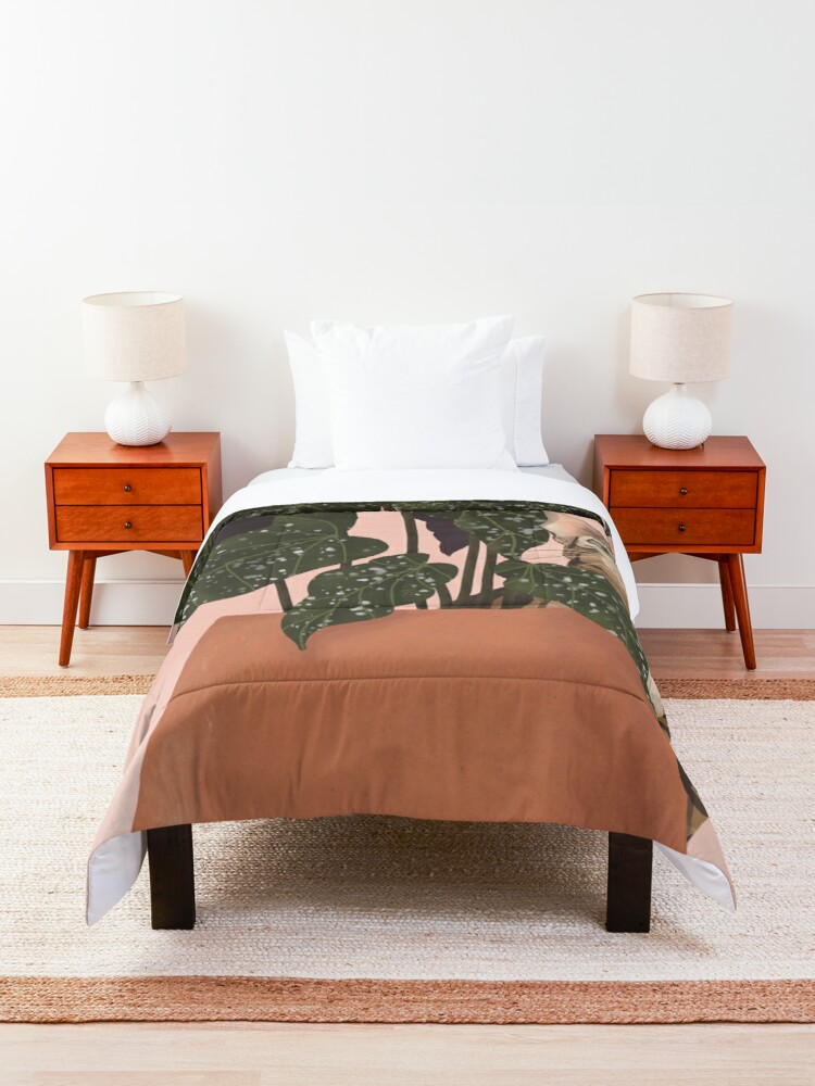Alternate view of tiger at heart Comforter