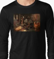 Steampunk - The time traveler 1920 Long Sleeve T-Shirt