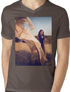 She Dreams In Colour Mens V-Neck T-Shirt
