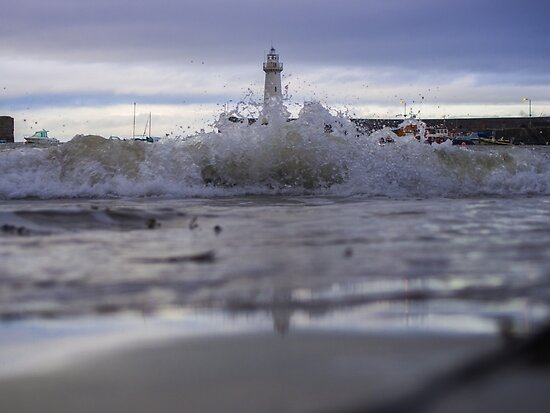 Crashing Waves - Lighthouse Harbor by verypeculiar