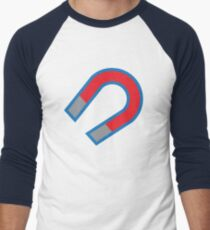 Magnet in red and blue T-Shirt