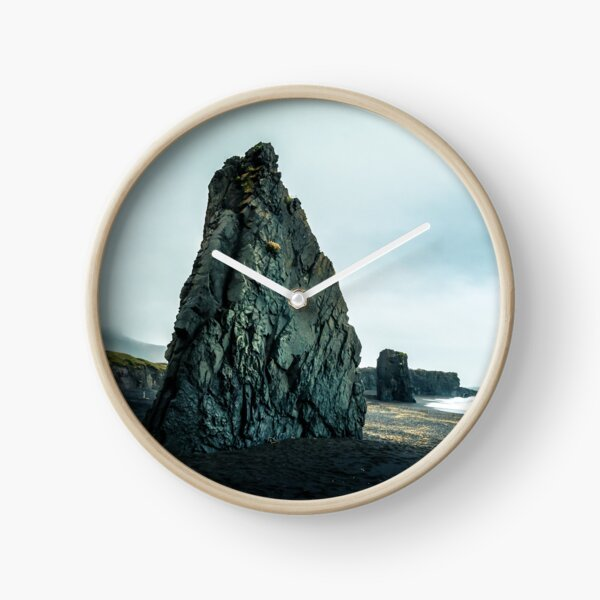 Beach in Iceland Clock