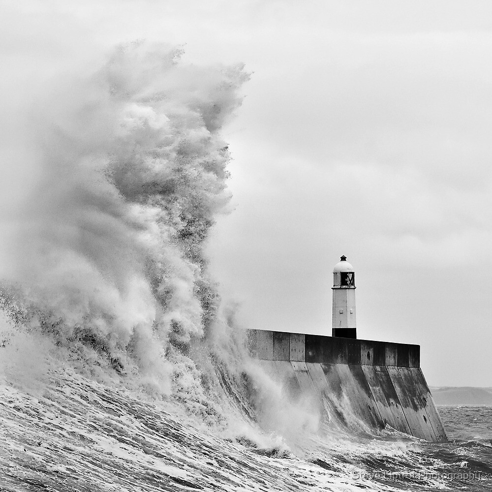 Porthcawl Lighthouse by Stephen Liptrot