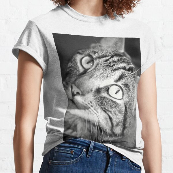 Tabby Cat Goddess Athena in Black and White Classic T-Shirt
