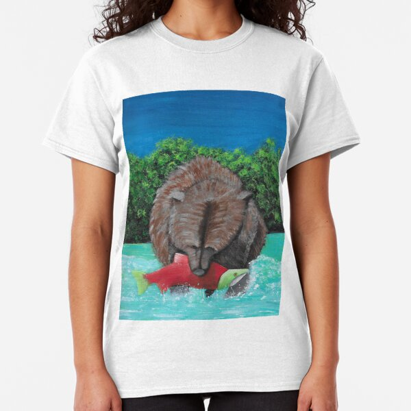 Bear eating salmon Classic T-Shirt