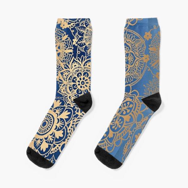 Patrón de mandala azul y oro Calcetines
