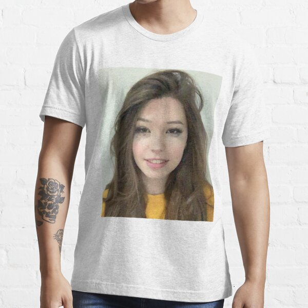 belle delphine's mugshot Essential T-Shirt