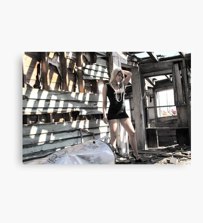 pretty in the ugly Canvas Print