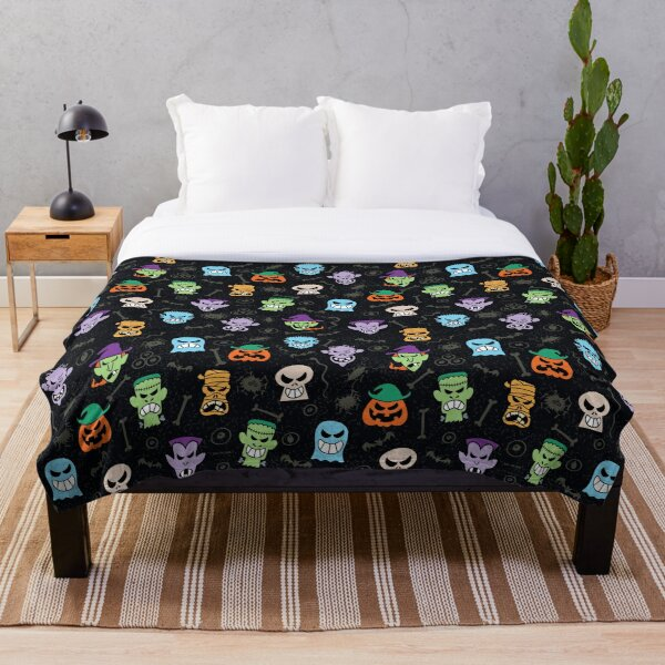 Halloween characters making funny faces in a cool pattern design Throw Blanket