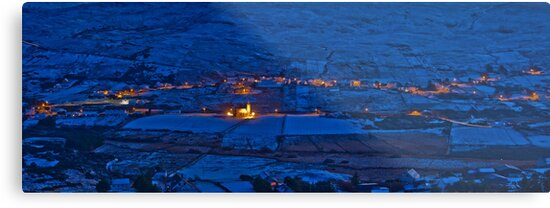 Glencolmcille  by conalmcginley