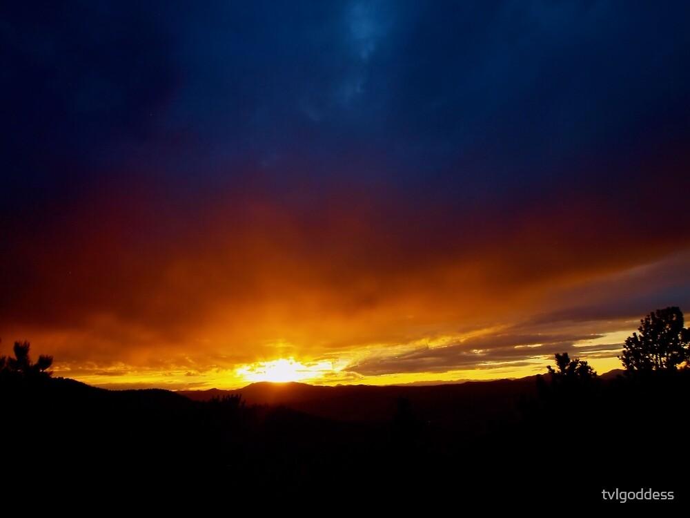 Sunray Sunday Sunset. by tvlgoddess