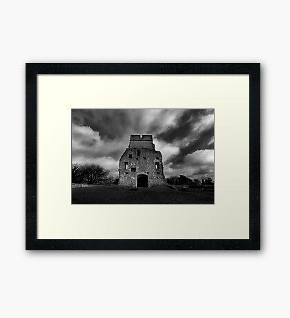 Donnington Castle Ruins Framed Print