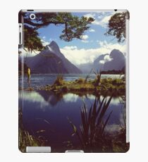 Milford Sound in Fiordland National Park iPad Case/Skin
